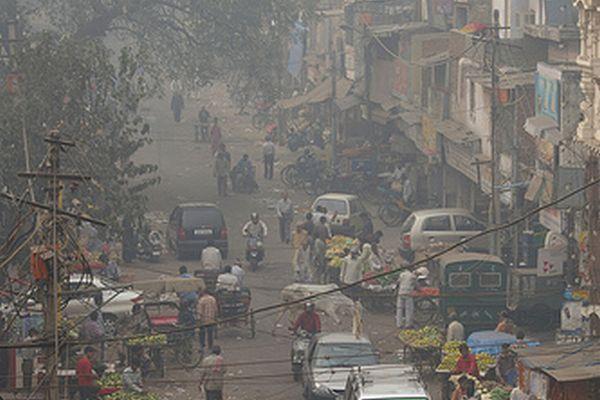 大気汚染対策で2030年までに全て電気自動車に置き換える:インド・エネルギー相