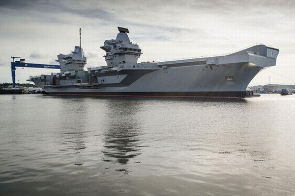 イギリス史上最も巨大な最新鋭空母がテスト航海へ