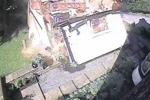 わずかに残ったガソリンで物置小屋が大爆発、英の消防署が注意を呼びかける