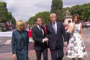 まるで綱引き…トランプ氏と仏大統領の握手の時間が長すぎて話題に