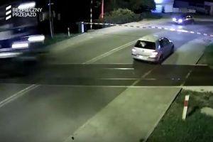 白人至上主義者の車が反対集会の参加者に突入、1人死亡、5人が重体【動画】