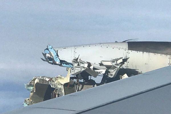 エールフランスの旅客機が高度1万メートルでエンジン爆発、カナダへ緊急着陸