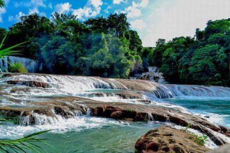 メキシコの美しい滝が大地震によって変貌、地元の人々が自ら流れを元へ戻す