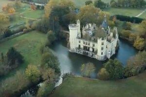 フランスの古城を保全するため、7500人のネットユーザーが協力して買い取る