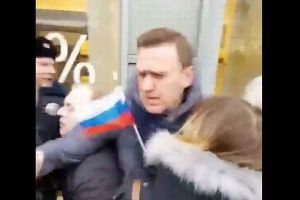 ロ大統領選でプーチン氏最大のライバルが、ついに拘束される【動画】