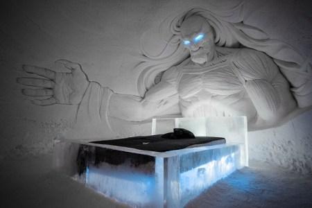 全て雪と氷でできたフィンランドのホテルが迫力満点と話題に