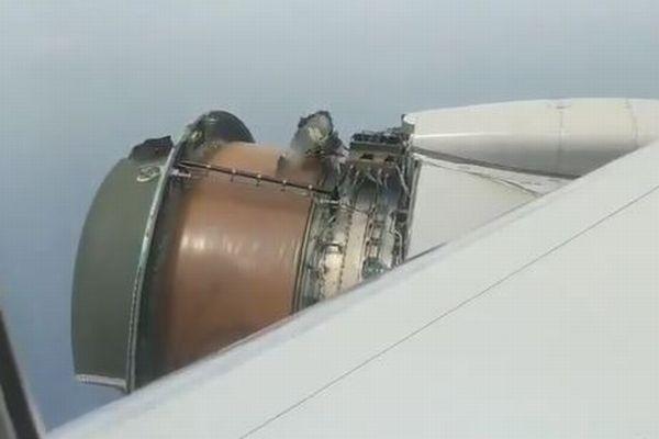 飛行中にエンジンカバーが落下、乗客が撮影した映像が恐ろしすぎる