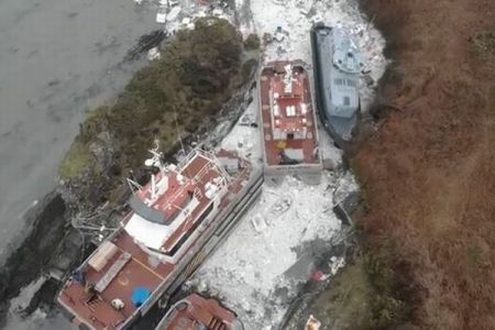 まるで津波に襲われたよう、英に到来した暴風「エマ」の威力が凄まじい