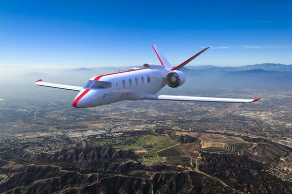 電気で飛ぶ飛行機はすぐそこまで!米のスタートアップが100機を受注する