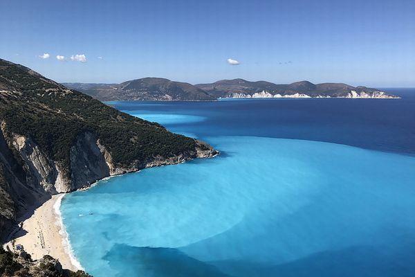 ギリシャ国内で初、プラスチックのストローを全面的に禁止する島が誕生