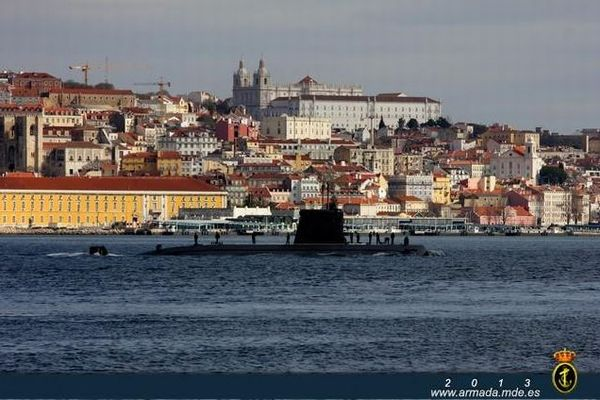 スペイン海軍がミスを連発、新しい潜水艦がドッグに入らない事態に