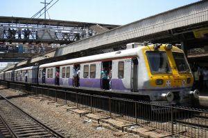 インドで列車の乗客がツイッターを使い人身売買を阻止、26人の少女を守る