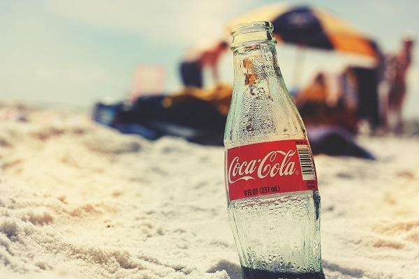 コカ・コーラ、大麻成分入り飲料開発に向け業界に注視、その理由とは?