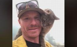 「助けてくれてありがとう!」山火事で救助されたネコが消防隊員にメロメロ