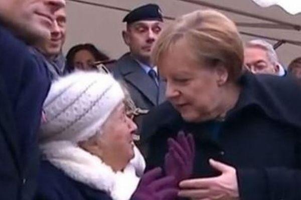 独のメルケル首相、高齢者からマクロン大統領の奥さんに間違われる