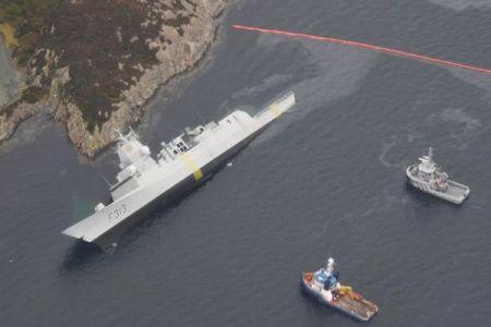 ノルウェー海軍のフリゲート艦が沈没の恐れ、タンカーと衝突し船内へ浸水