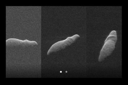 まるでカバの背中のよう!実は過去400年間で最も地球に接近した小惑星だった