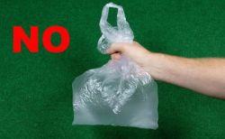 豪で大手のスーパーの取り組みにより、80%もビニール袋の消費量が減少