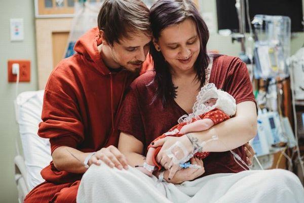 臓器提供で誰かを救うため、生きる見込みのない赤ん坊を敢えて産んだ母親