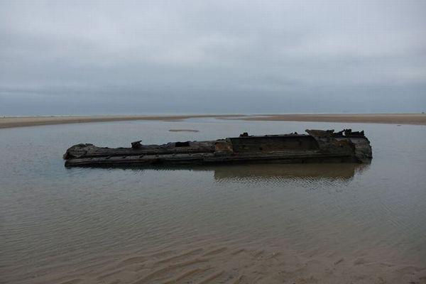 第1次世界大戦中のドイツ軍潜水艦、100年の時を経てフランスの海岸に姿を現す