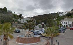 スペインで深さ100m以上、直径25cm以下の穴に幼児が落下、救出作業が続く