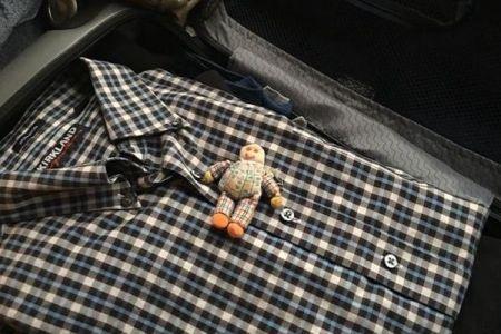 飛行機への恐怖を克服するため…娘が作った人形を43年間持ち続けた父親が話題に
