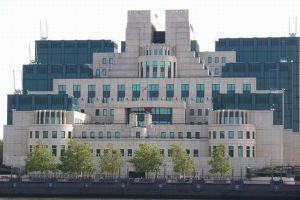 「MI6」のスパイがイラン核開発の技術者を密かに英へ入国させていた!