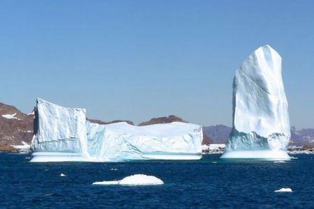 カナダで氷山から作られた水、3万リットルが盗まれる不可解な事件が発生