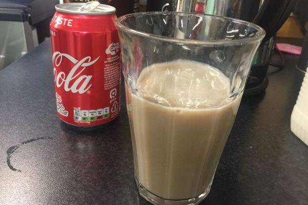 ミルクとコーラを混ぜた飲み物がSNSで話題に、意外と美味しい?