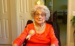 109歳の女性、長寿の秘訣は週に一度、グラス一杯のワインを飲むことか?