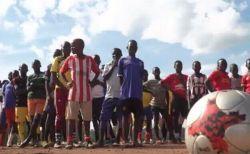 伊のサッカーチームが、ウガンダで難民のためのトレーニングキャンプを実施