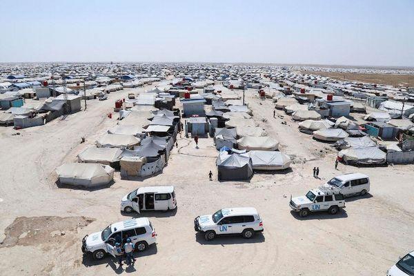 ISISの家族を収容したキャンプで警備兵が刺される事件が発生、支援ワーカーも被害に
