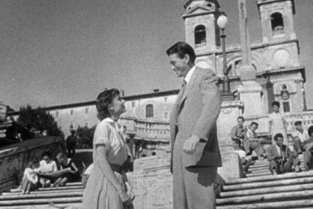 「ローマの休日」で有名な「スペイン階段」、座っただけで罰金3万円、批判の声も