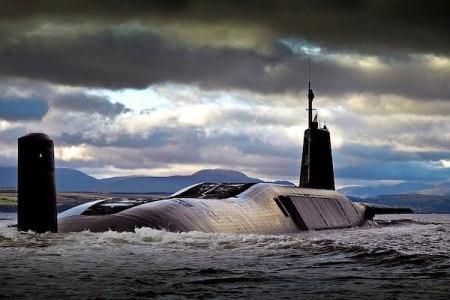大丈夫か!?核ミサイルを積んだ英国潜水艦の乗務員室からコカインが発見された