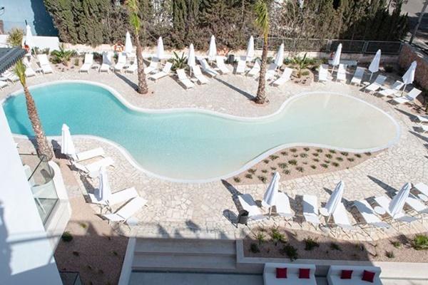 男性は利用不可、スペインに女性限定のユニークなホテルがオープン