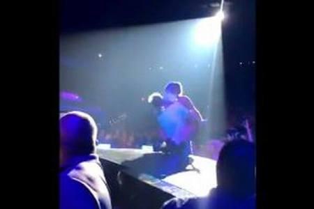 レディー・ガガとファンの男性がステージから落下、場内が一時騒然