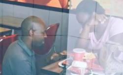 南アのKFC店内で男性がプロポーズ、映像が拡散しカップルに支援が殺到