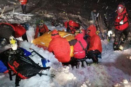オーストリアで発生した雪崩、雪に5時間埋まっていた男性が奇跡的に生還