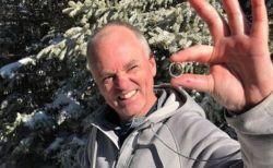 山で失くした結婚指輪、FBの投稿を見たハイカーが捜索し見事に発見