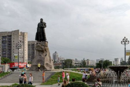 ロシアが中国と接する4300kmの国境封鎖を発表、ツアー客の受け入れも中止