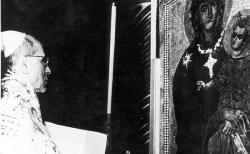 """""""ヒトラーの教皇""""とされたピウス12世、謎に満ちた第2次大戦中の記録を公開"""
