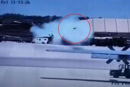 アフリカの空軍基地で戦闘機がミサイルを誤って発射、子供を含む5人が死亡