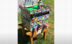 男性が「レゴ」を使ってミツバチの巣を制作、今では3000匹の家に