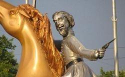 テイラー・Sが人種差別主義者の像を撤去するよう要求「うんざりしています」