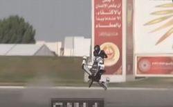 ドバイ警察が導入予定の「ホバーバイク」、試験飛行で事故が発生
