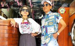 台湾のクリーニング店の80代夫妻、残された客の服をオシャレに着こなし人気に