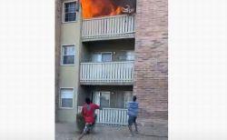 火事で3階のバルコニーから落とされた子供、米男性が走り寄って見事に受け止める