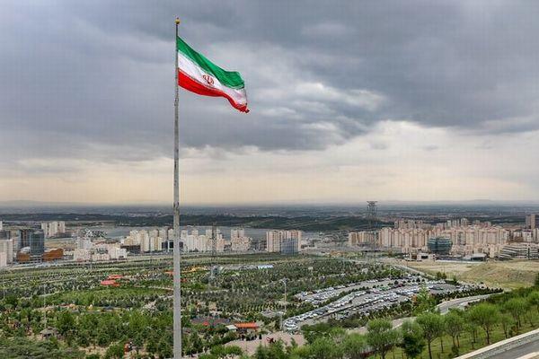 イランの核施設で大規模な爆発、原因は不明だがサイバー攻撃の可能性も