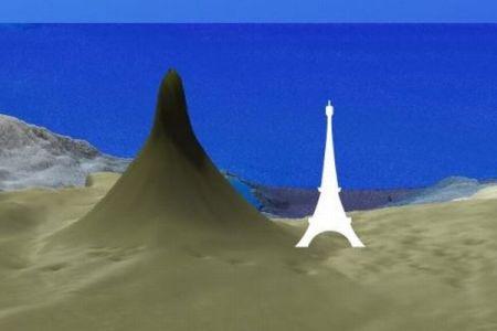オーストラリアで巨大な珊瑚礁を発見、東京タワーよりも高かった
