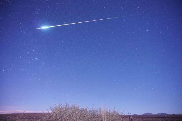 今夜は「しし座流星群」のピーク、その特徴や見るべき時間とは?